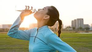 Boire de l'eau dans la journée contribuera à votre bien-être