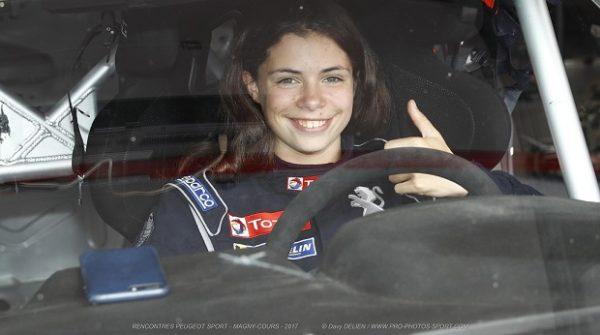 Préparation physique d'une jeune pilote de course automobile